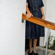 Ausstellung 2014: Frau Krieger mit Mops Moppi